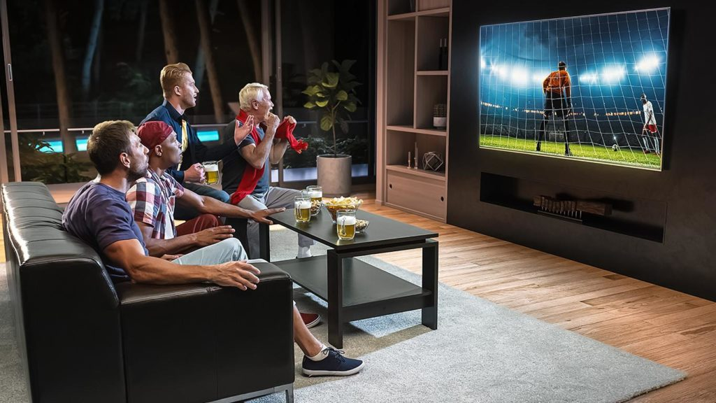 can a smart tv access the internet